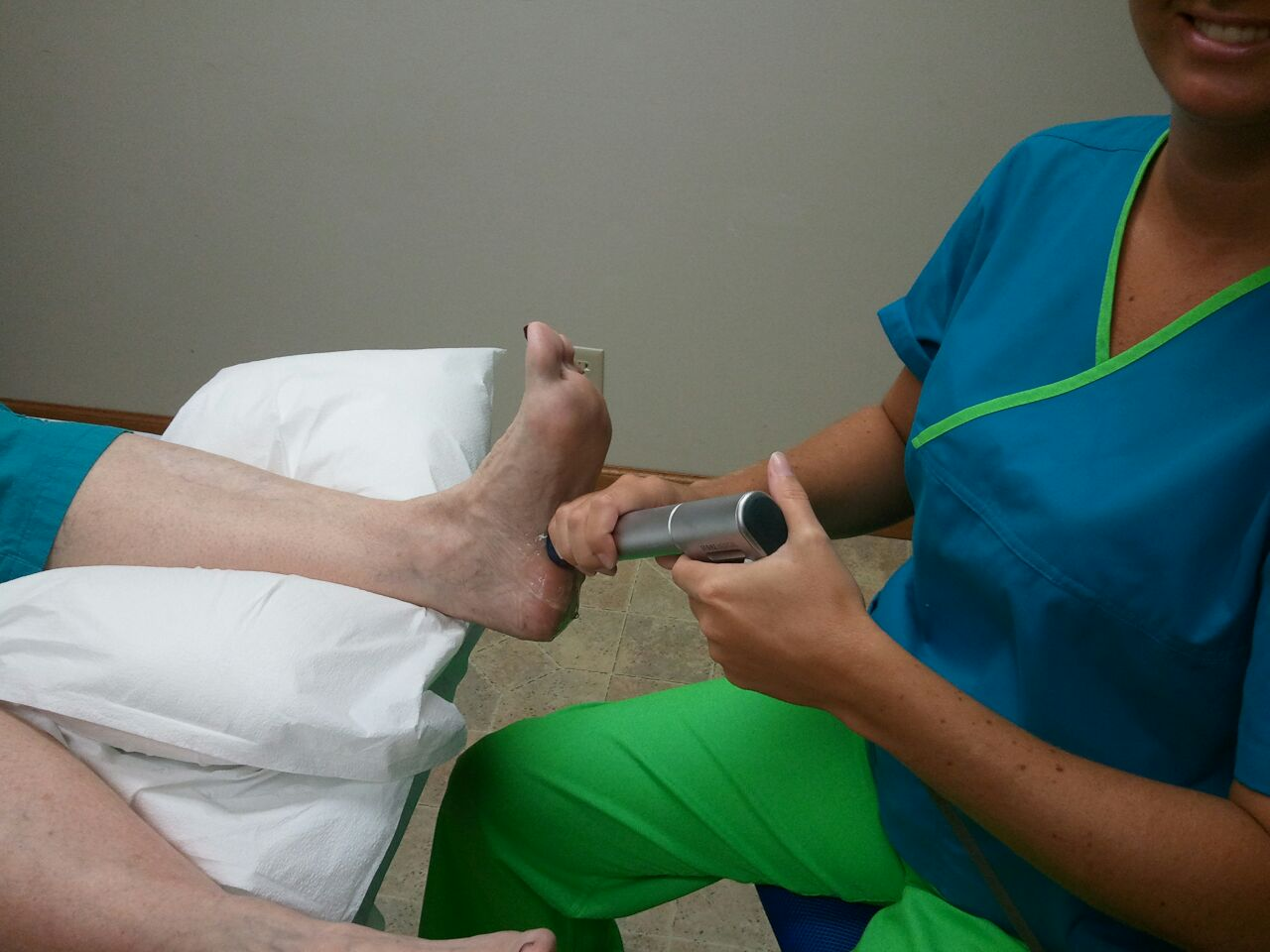 SHOCK WAVE Therapy - Treatment for Achilles Tendonitis ...